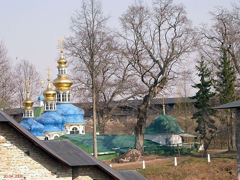 Успенский Псково-Печерский монастырь, Печоры