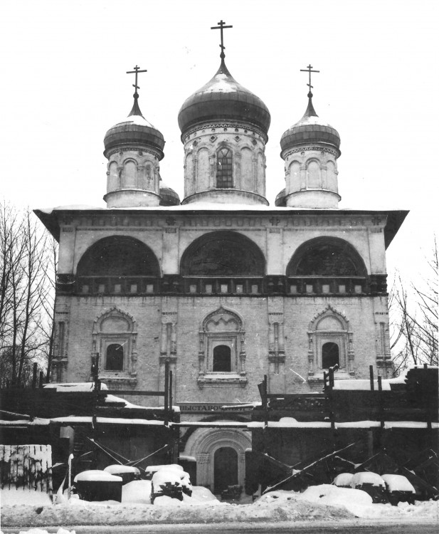 Церковь Троицы Живоначальной, Старая Русса