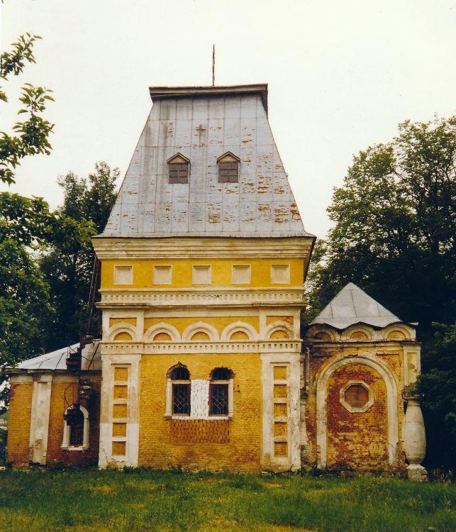 Церковь Сошествия Святого Духа, Лесные Поляны