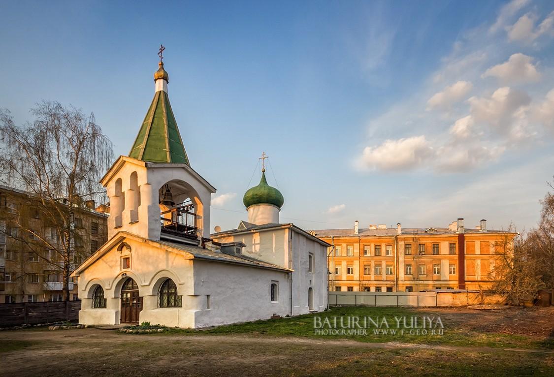 Церковь Преполовения Пятидесятницы на Спасском подворье-Псков-г. Псков-Псковская область