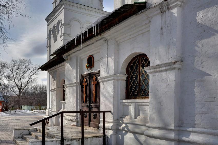 Церковь Троицы Живоначальной в Троицком-Голенищеве, Москва