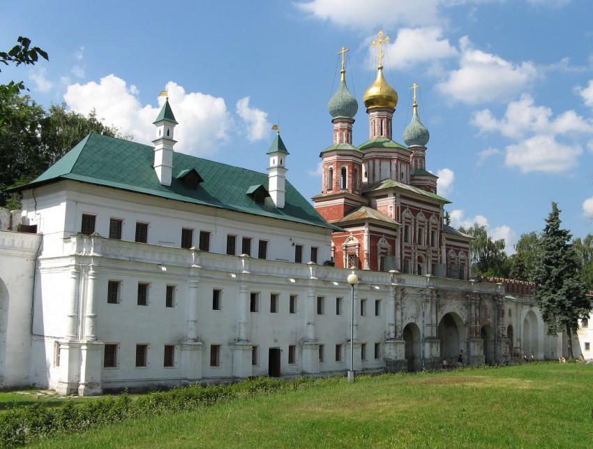 Новодевичий монастырь. Церковь Покрова Пресвятой Богородицы, Москва