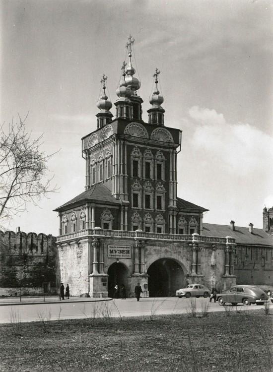 Новодевичий монастырь. Церковь Спаса Преображения, Москва