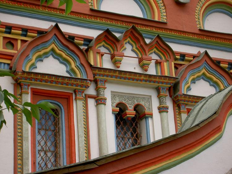 Церковь Николая Чудотворца (Троицы Живоначальной) на Берсеневке, в Верхних Садовниках, Москва