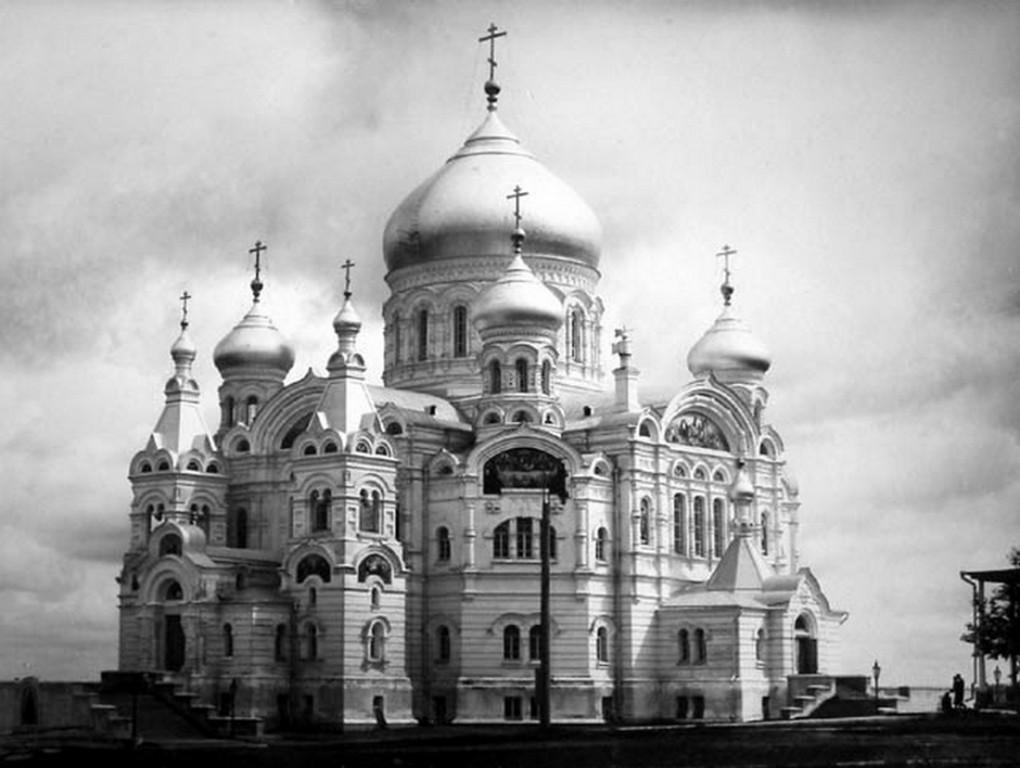 Николаевский Белогорский монастырь. Собор Воздвижения Креста Господня, Белая Гора