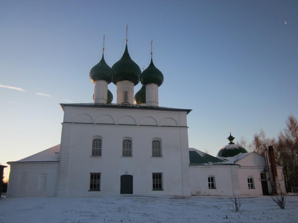 Собор Троицы Живоначальной, Пошехонье
