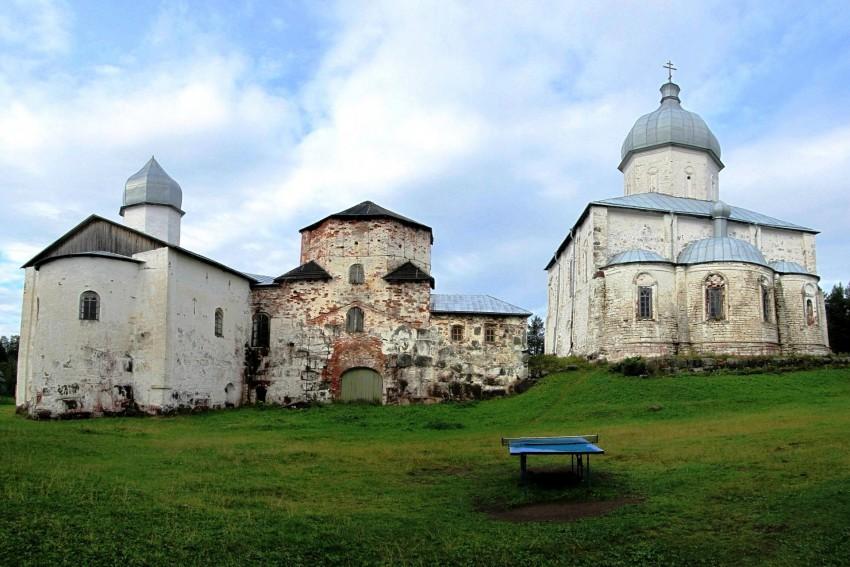 Кийский Крестный монастырь, Кий-остров