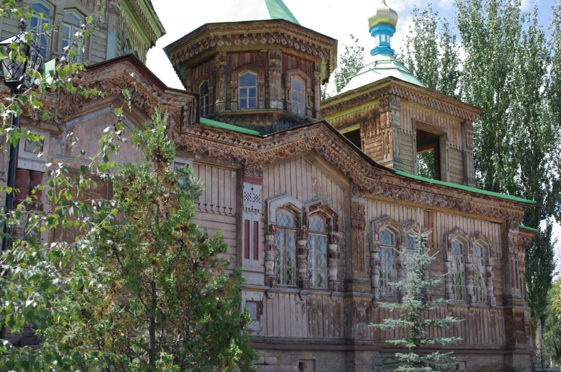 Церковь Троицы Живоначальной, Каракол