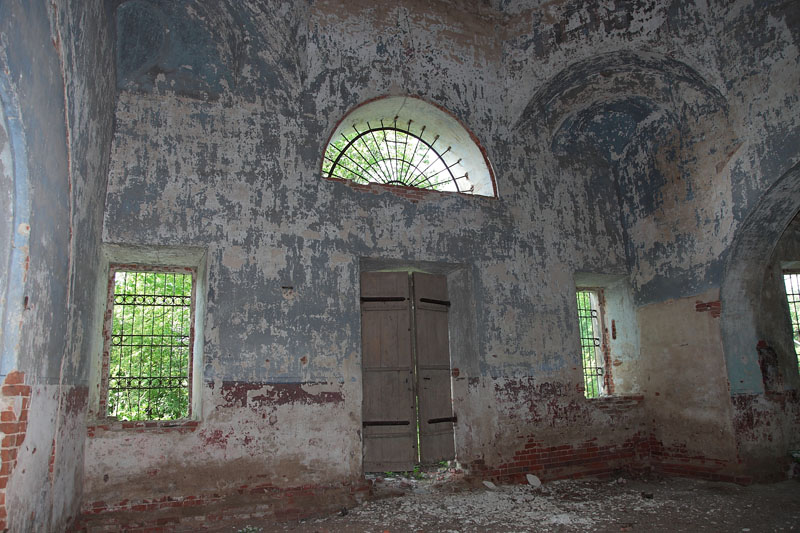 Церковь Смоленской иконы Божией Матери, Павлиново