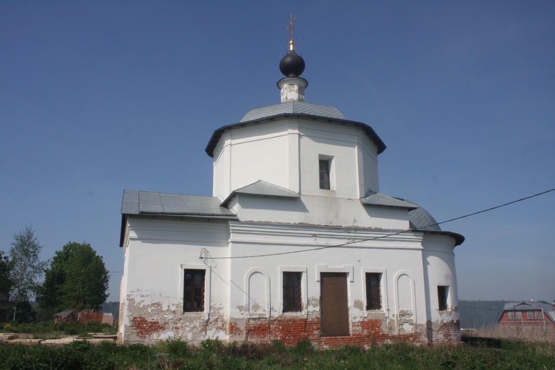 Церковь Космы и Дамиана, Беницы