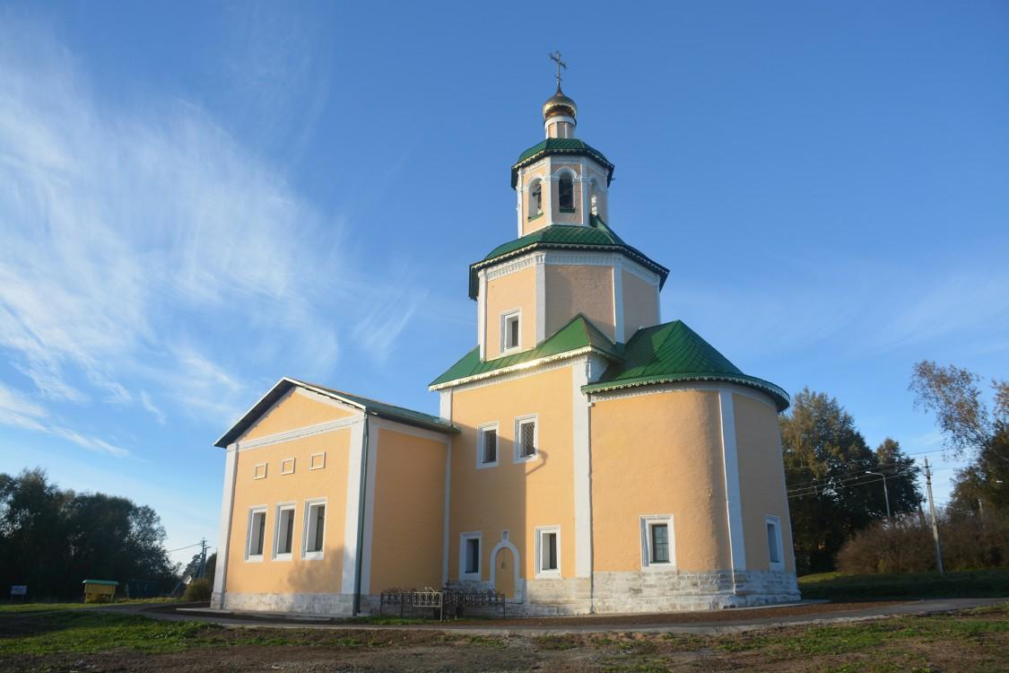 Церковь Троицы Живоначальной в Васюнине, Москва