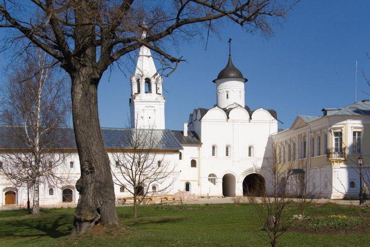 Спасо-Прилуцкий мужской монастырь. Надвратная церковь Вознесения Господня, Прилуки