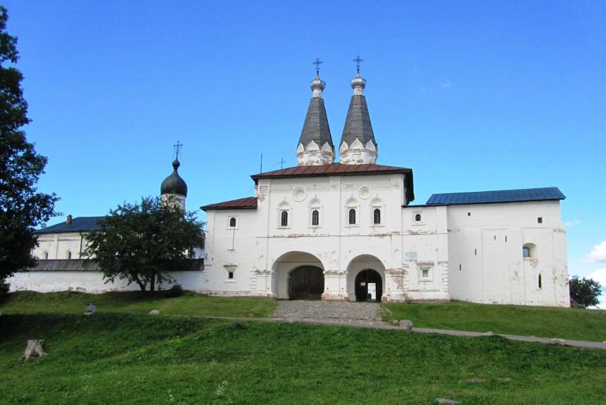 Ферапонтов монастырь. Церкви Богоявления Господня и Ферапонта, Ферапонтово