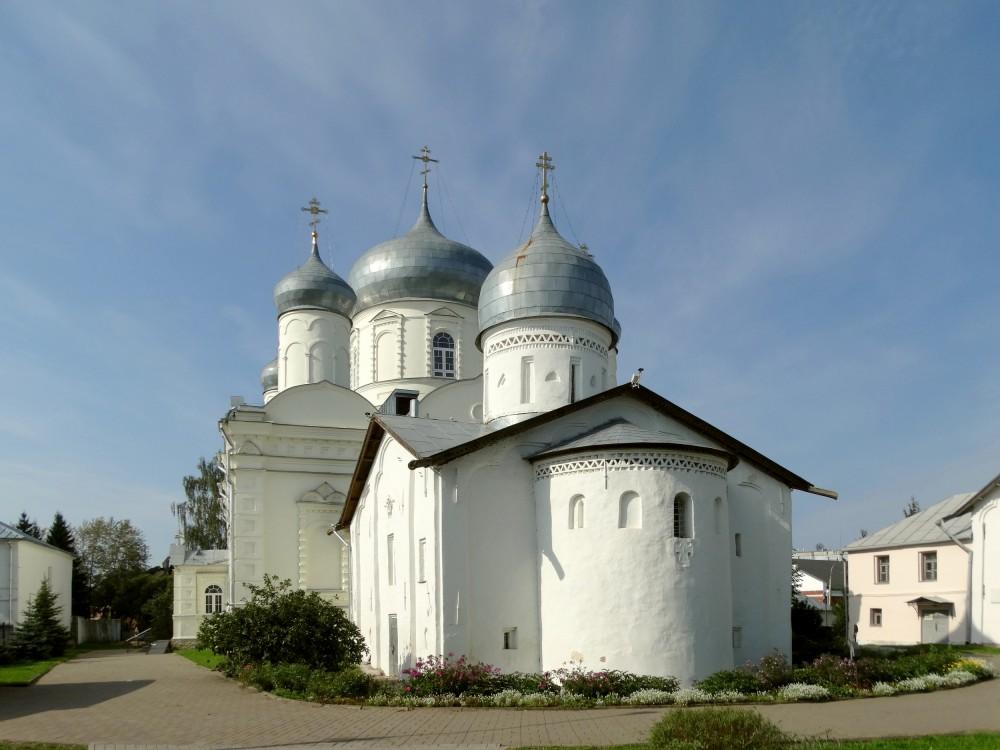 Зверин монастырь. Церковь Покрова Пресвятой Богородицы, Великий Новгород