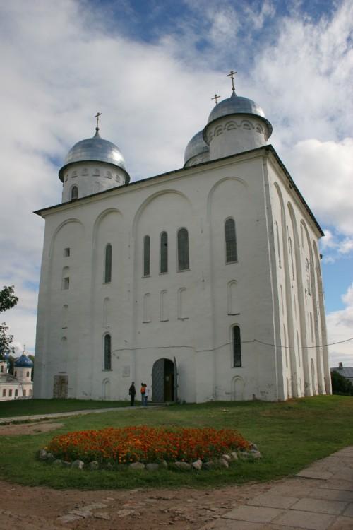 Юрьев мужской монастырь. Собор Георгия Победоносца, Юрьев