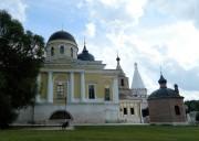 Старица. Старицкий Успенский мужской монастырь. Собор Троицы Живоначальной