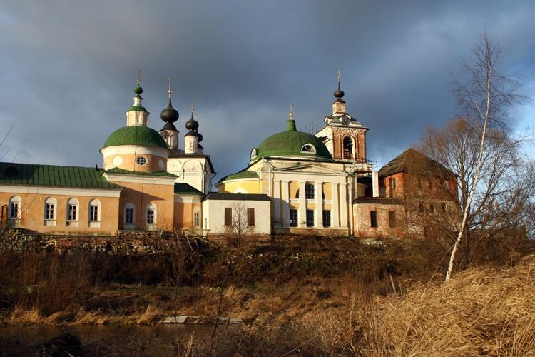 Троицкий Белопесоцкий монастырь, Ступино