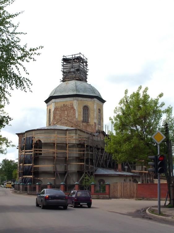Церковь Троицы Живоначальной и Василия Великого, Орёл