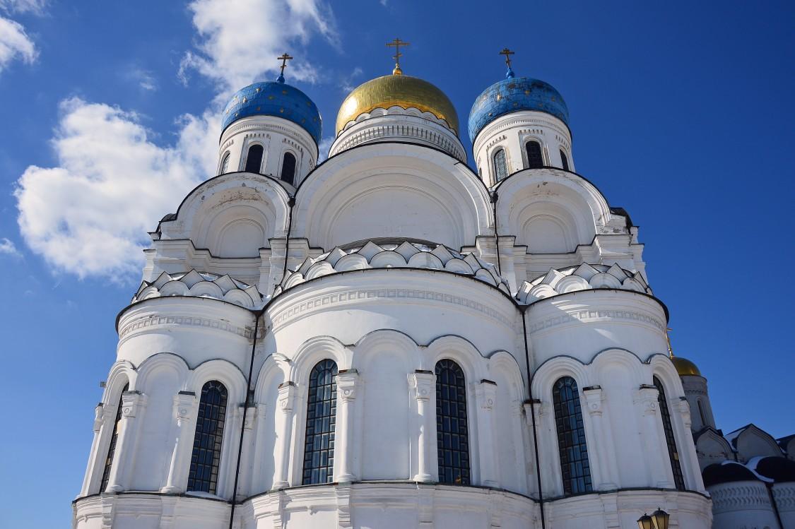 Николо-Угрешский монастырь. Собор Спаса Преображения, Дзержинский