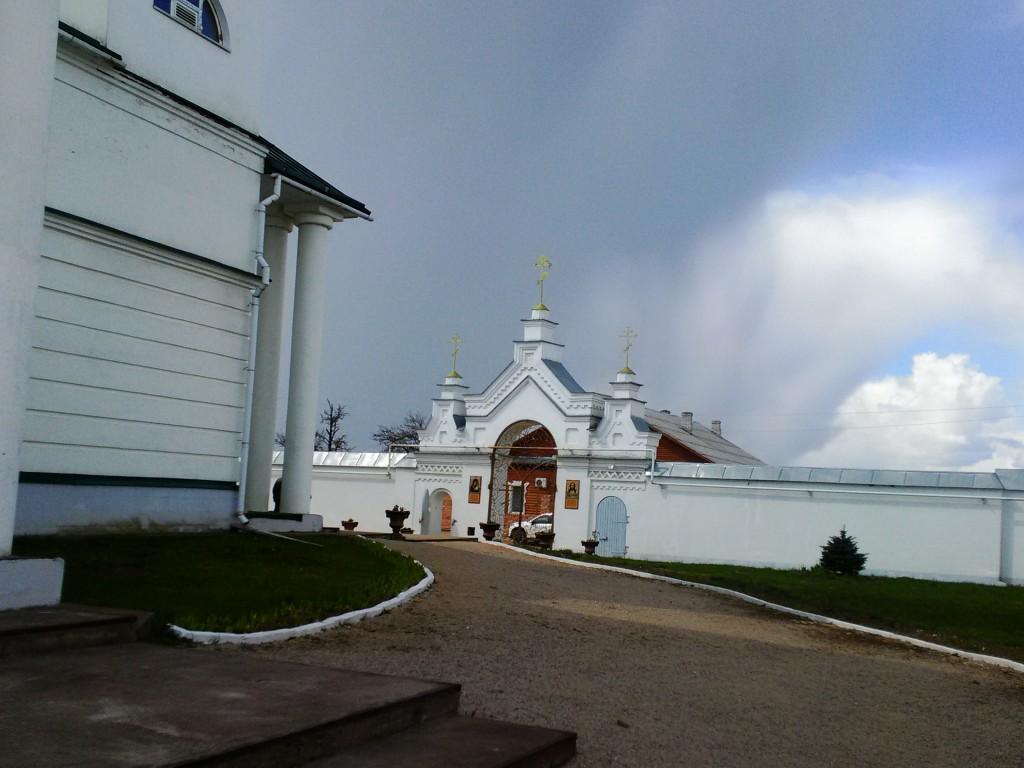 Симанский Спасо-Казанский монастырь, Остров