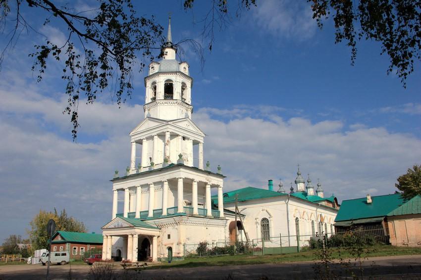 Церковь Троицы Живоначальной, Кстинино