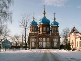 Седьмого января, в день Рождества Христова, верующих петровчан и гостей города приглашают на праздничные богослужения в храмы Петровска