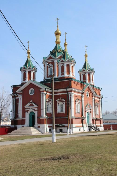 Брусенский Успенский монастырь. Собор Воздвижения Креста Господня, Коломна