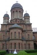 Черновцы. Трех Святителей, церковь