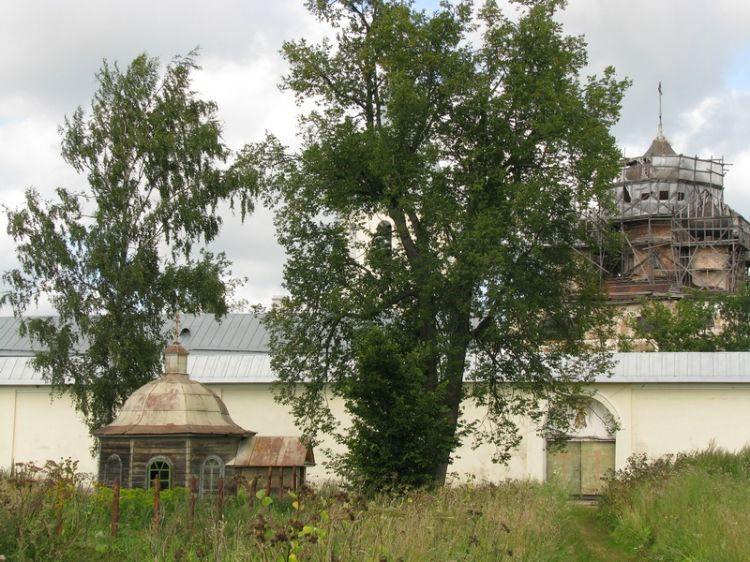 Троицкий Зеленецкий мужской монастырь. Неизвестная часовня, Зеленец