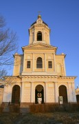 Серпухов. Высоцкий монастырь. Церковь Трех Святителей Великих в колокольне