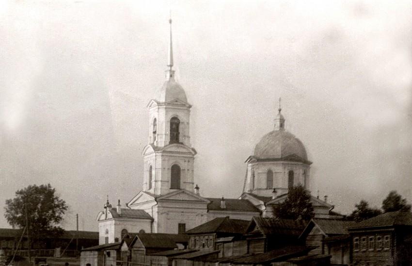 Церковь Воздвижения Креста Господня, Нижние Серги