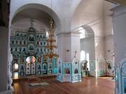 В среду светлой седмицы епископ максим совершил литургию в троицком соборе г чаплыгина