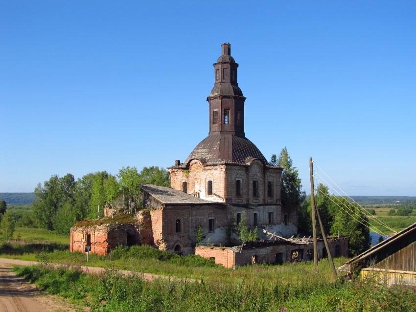 Церковь Троицы Живоначальной-Шолга-Подосиновский район-Кировская область