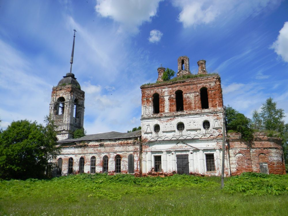 Церковь Сошествия Святого Духа, Кромы