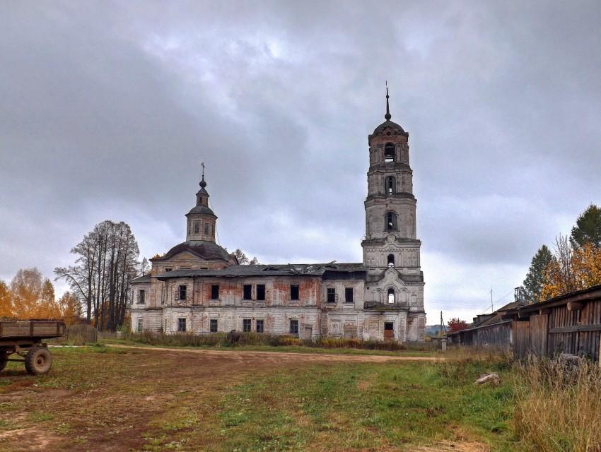 Церковь Иоанна Богослова, Красное