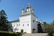 Теряево. Успенский Иосифо-Волоцкий монастырь. Церковь Богоявления Господня в трапезном корпусе