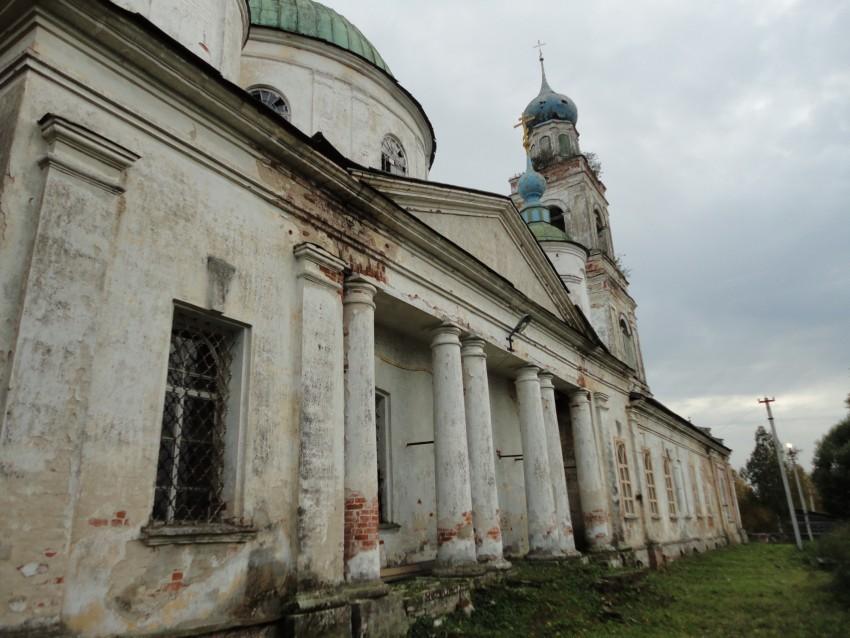 Церковь Владимирской иконы Божией матери, Харинское