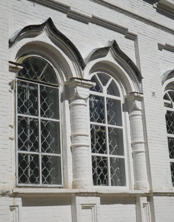 Церковь Воздвижения Креста Господня, Серга