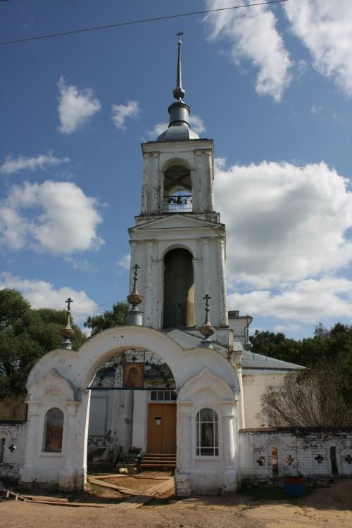 Церковь Казанской иконы Божией Матери, Красное
