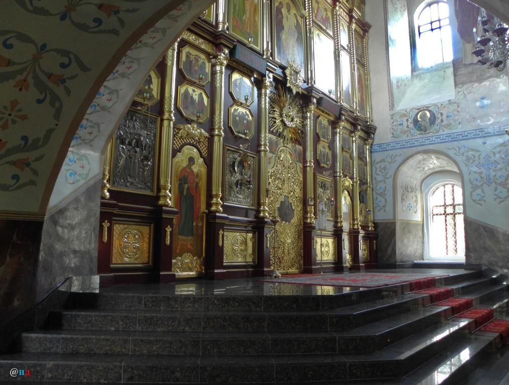 Знаменский монастырь. Кафедральный собор иконы Божией Матери