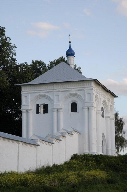 Церковь Тихвинской иконы Божией Матери Свято-Троицкий Данилов монастырь Переславль-Залесский фотографии