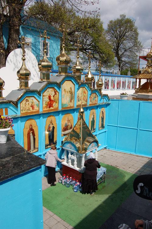 Николаевский Городокский женский монастырь. Скит Святой Праведной Анны, Онишковцы