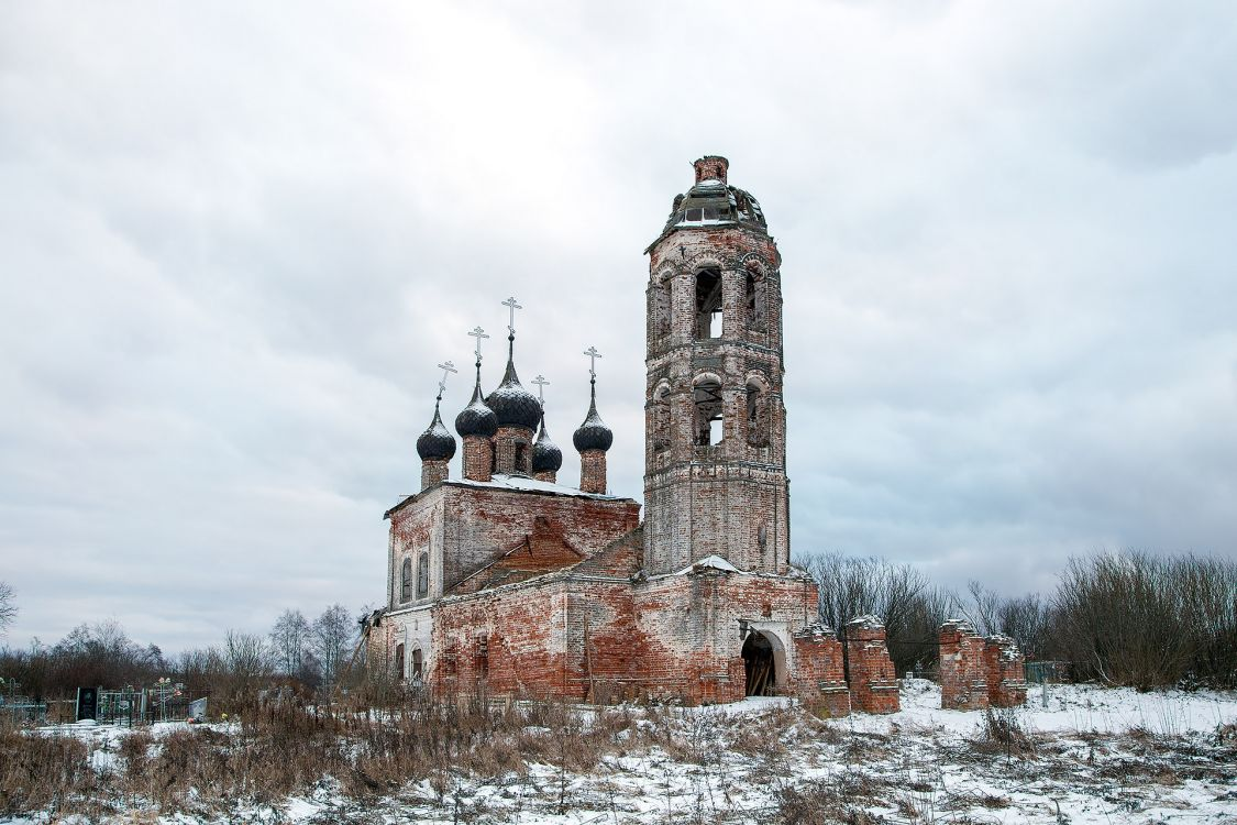 Церковь Рождества Христова, Погост Ломин