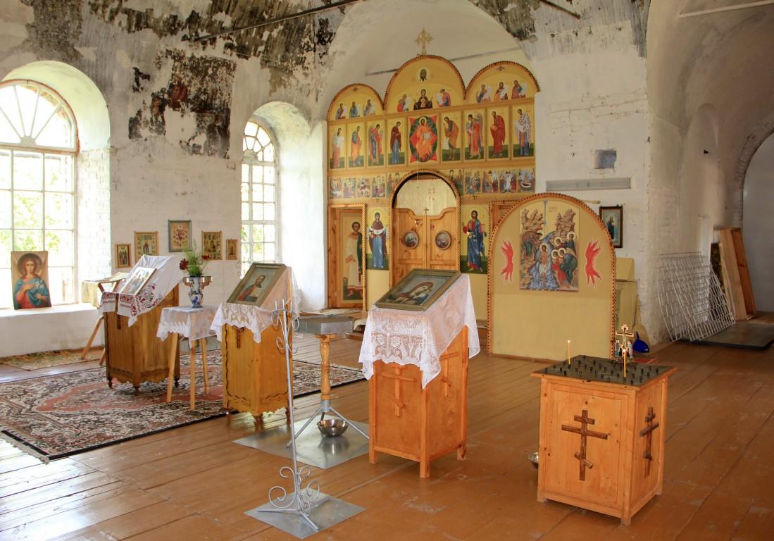 Церковь Троицы Живоначальной, Лопьял