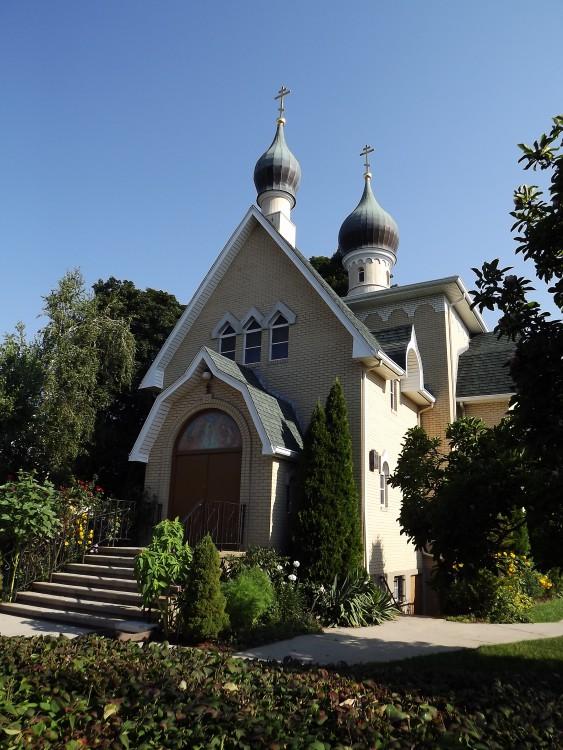 Церковь Богоявления  Господня, Бостон (Рослиндл)