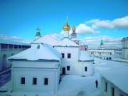 Церковь Трёх Святителей при больничном корпусе Новоиерусалимского монастыря - Истра - Истринский район - Московская область