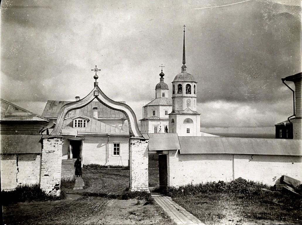 Красногорский Богородицкий монастырь, Красная Горка
