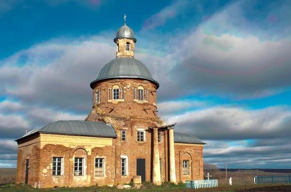 Церковь Тихвинской иконы Божией Матери, Матвеевка