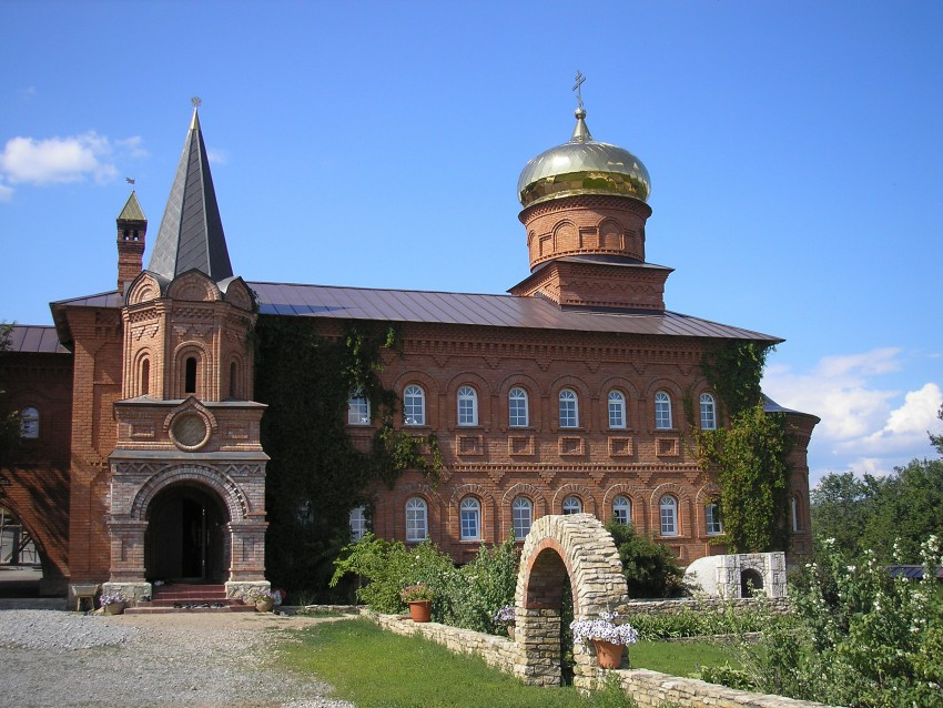 Монастырь святые кустики фото