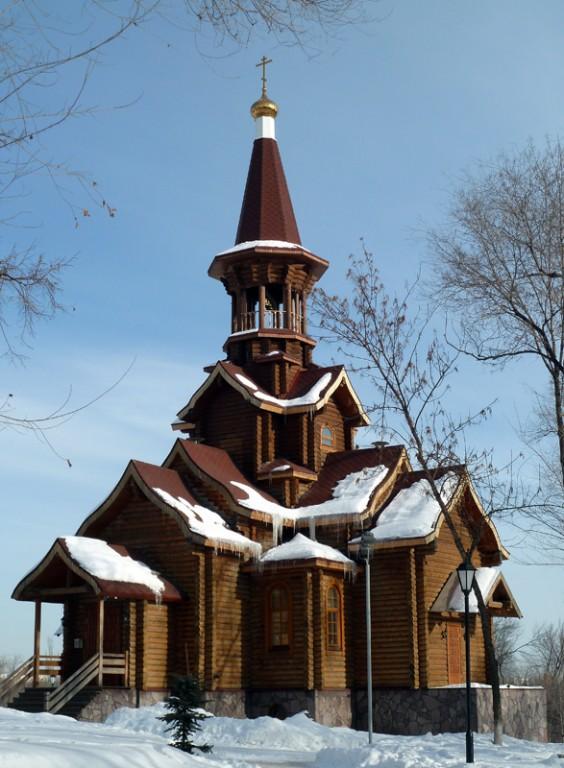 Церковь Успения Пресвятой Богородицы в парке